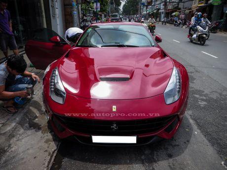 Ban do Ferrari F12 Berlinetta doc nhat Viet Nam rao ban gan 17 ty Dong - Anh 3