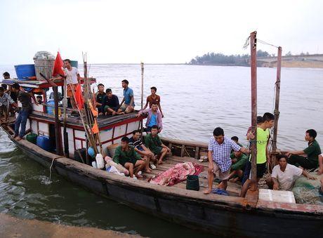 Quang Tri: Chim tau cho hang, mot nguoi chet - Anh 1
