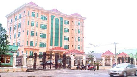 Vu bat giam PGD Cty CP Thuy san Minh Hieu Bac Lieu: Sao khong mo cho doanh nghiep 'duong song'? - Anh 1