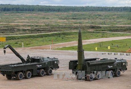NATO giuong vay khi ten lua hat nhan Nga vao Dong Au - Anh 1