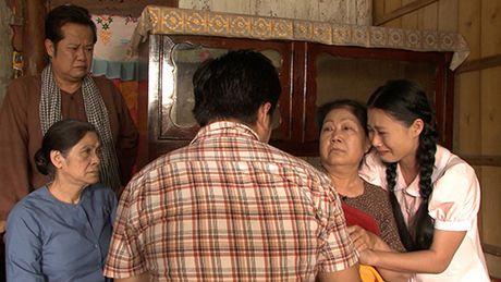 Ba xa dien vien hai Gia Bao can nuoc mat khi lam tinh dich cua Van Trang - Anh 3