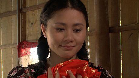 Ba xa dien vien hai Gia Bao can nuoc mat khi lam tinh dich cua Van Trang - Anh 4