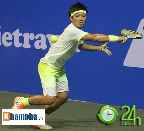 Tuyet voi: Hoang Nam ha tay vot tren hang o Vietnam Open - Anh 2
