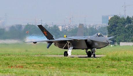 Phi cong My: J-20 la vu khi dang gom nhat cua Khong quan TQ - Anh 3