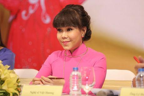 Dan Truong, Phuong Thanh chuc mung Liveshow dau tien cua Viet Huong - Anh 1