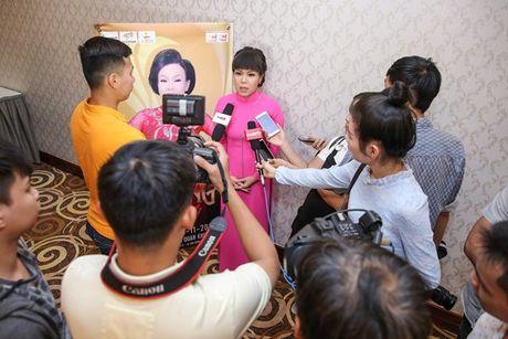 Dan Truong, Phuong Thanh chuc mung Liveshow dau tien cua Viet Huong - Anh 2