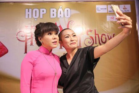 Dan Truong, Phuong Thanh chuc mung Liveshow dau tien cua Viet Huong - Anh 5