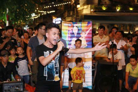 'Nhi Tai Nang' lam 'no tung' san khau pho co Ha Noi - Anh 5
