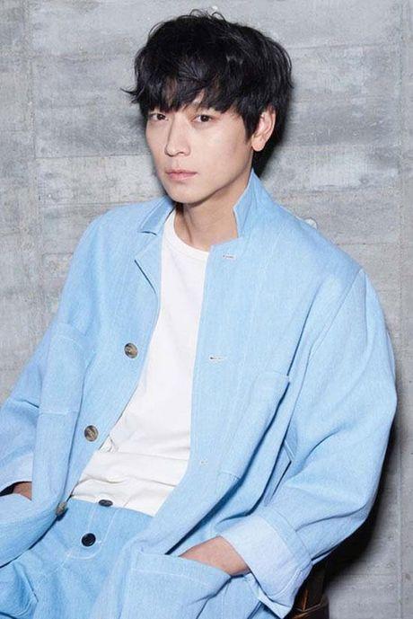 Hai my nam Kang Dong Won va Yoo Ah In 'song kiem hop bich' trong phim moi - Anh 3
