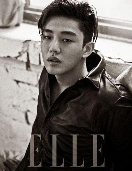 Hai my nam Kang Dong Won va Yoo Ah In 'song kiem hop bich' trong phim moi - Anh 4