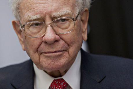 Warren Buffett cong khai thue, giang don vao Donald Trump - Anh 1
