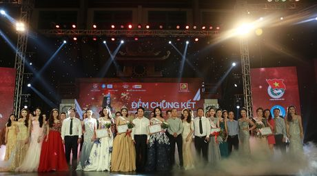 Hoa khoi sinh vien Ha Noi so thi phi bua vay, dan mang 'nem da' - Anh 2