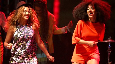 Em gai Beyonce dan dau bang xep hang Billboard - Anh 1