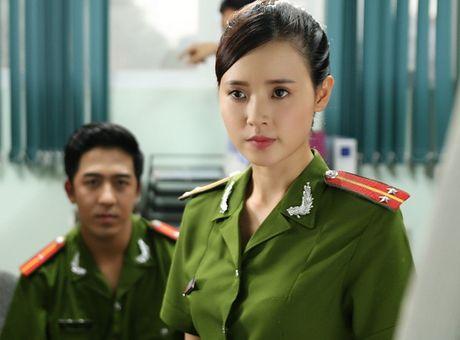 Midu lanh lung, Elly Tran hoang hot tren poster 'Bi An Song Sinh' - Anh 8
