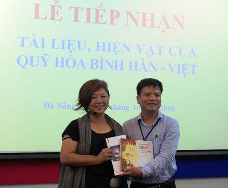 Buc tuong dac biet cua phong trao 'Thanh that xin loi Viet Nam' da den Da Nang - Anh 2