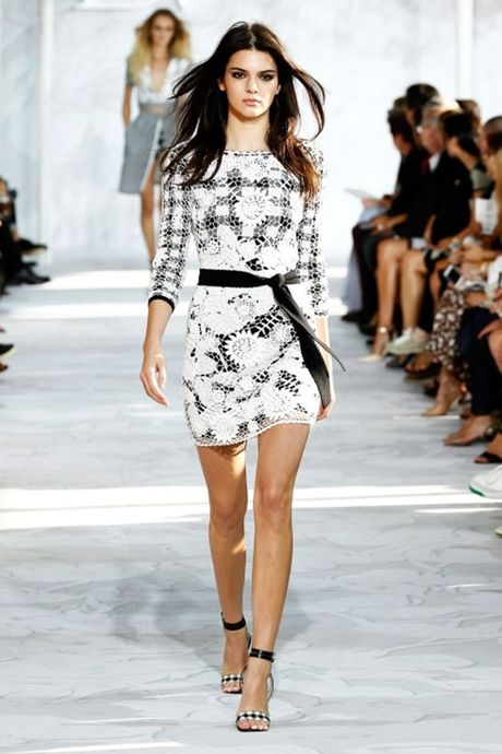 Kendall Jenner dang khien sao PSG thao thuc - Anh 4