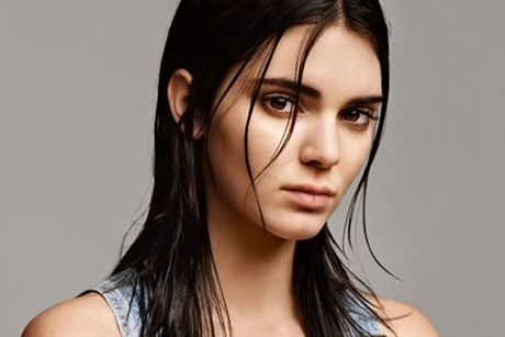 Kendall Jenner dang khien sao PSG thao thuc - Anh 8