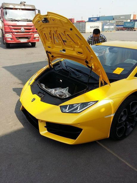Lamborghini Huracan LP580-2 thu 2 bat ngo cap ben Viet Nam - Anh 5