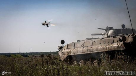 Cuc hiem canh BMP-1 ban ten lua chong tang AT-3 - Anh 4