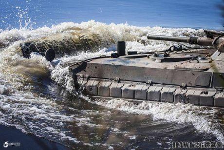 Cuc hiem canh BMP-1 ban ten lua chong tang AT-3 - Anh 9