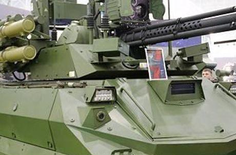 Mo xe vu khi tren robot chien dau manh nhat the gioi - Anh 11