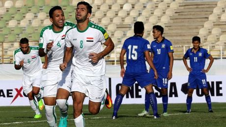 'Tuyen Thai Lan nen tap trung cho AFF Cup' - Anh 3