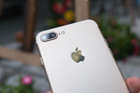 Tren tay iPhone 7 Plus 3 trieu dong: camera kep, nut home cam bien, sac Lightning - Anh 1