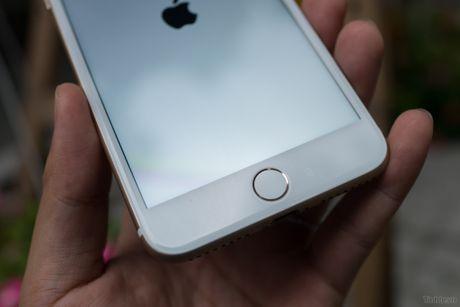 Tren tay iPhone 7 Plus 3 trieu dong: camera kep, nut home cam bien, sac Lightning - Anh 3