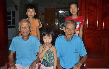 Nhung dieu 'la' ve cap song sinh gan tram tuoi o Hai Duong - Anh 14