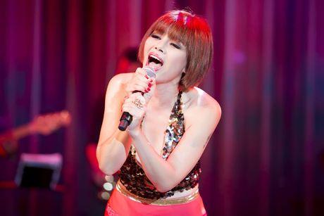 Cuoc song hien tai it nguoi biet cua 'nguoi dan ba hat nhac Phu Quang' - Anh 1