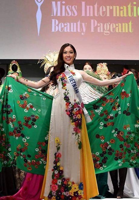 Phuong Linh gianh danh hieu kha som tai Hoa hau Quoc te 2016 - Anh 2
