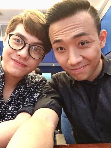 Hanh dong phi cuoi cua Noo Phuoc Thinh khi gap trai dep Viet - Anh 11