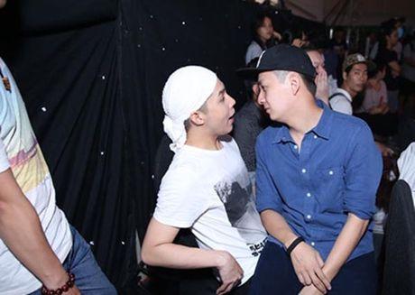 Hanh dong phi cuoi cua Noo Phuoc Thinh khi gap trai dep Viet - Anh 5