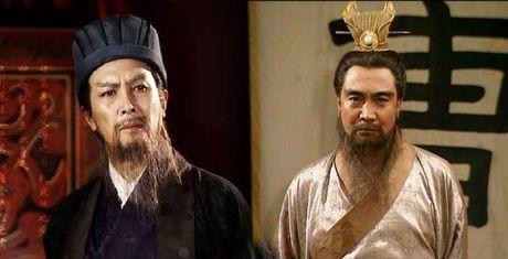 Khong Minh tai tri hon nguoi nhung van thua... Tao Thao? - Anh 1