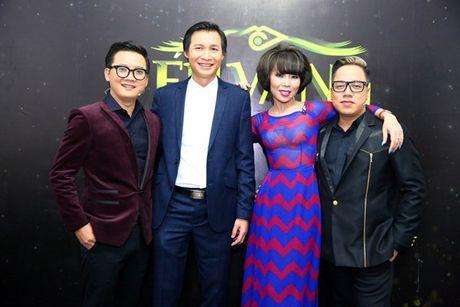 Ho Ngoc Ha vua di vua an cho kip gio bieu dien o En Vang 2016 - Anh 11