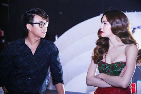 Ho Ngoc Ha vua di vua an cho kip gio bieu dien o En Vang 2016 - Anh 3