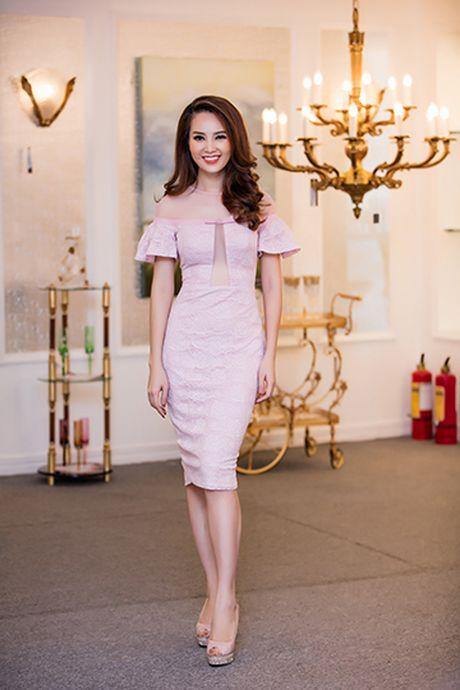 A hau Thuy Van voi style thoi trang goi cam - Anh 6
