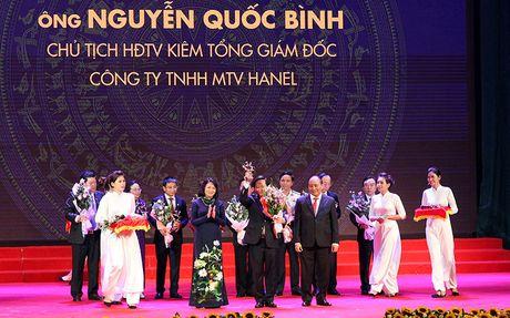 Tong giam doc Hanel lan thu 3 nhan danh hieu doanh nhan tieu bieu - Anh 1