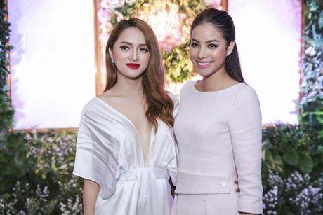 Huong Giang Idol tao bao 'tha rong', sexy lan at Pham Huong - Anh 4