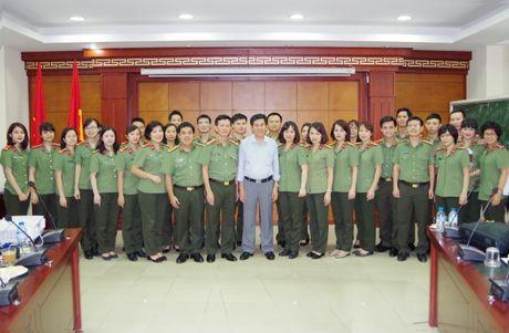 Bo CA: Boi duong kien thuc dau thau chuyen sau va xu ly tinh huong trong hoat dong dau thau mua sam tai san - Anh 2