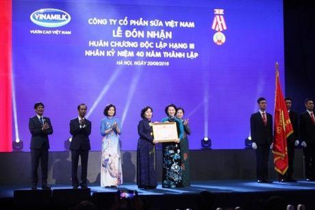 Vinamilk 40 nam nuoi duong uoc mo vuon cao Viet Nam - Anh 1