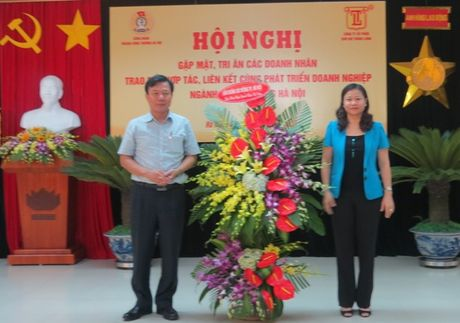 CD nganh Cong thuong Ha Noi: Cac doanh nhan da dong hanh cung CD bang nhieu hoat dong thiet thuc - Anh 1