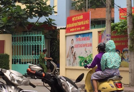 TP.HCM: No sung o tru so uy ban phuong, 1 nguoi chet - Anh 1