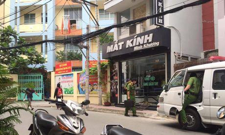 TP.HCM: No sung o tru so uy ban phuong, 1 nguoi chet - Anh 2