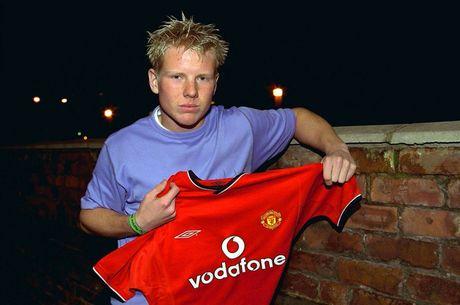 Alex Ferguson dien tiet lat ban vi Beckham xin phep di tap bang... may bay truc thang - Anh 1