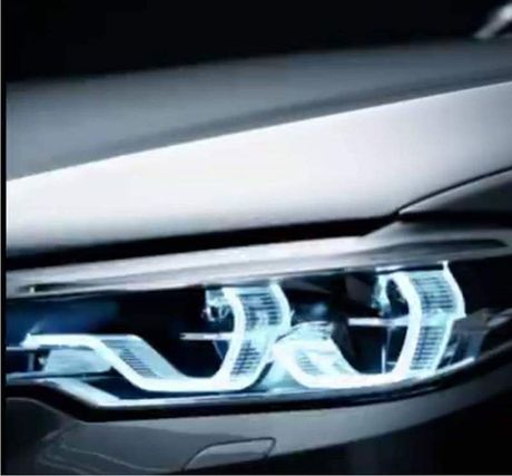 Lo dien sedan BMW 5-Series phien ban moi - Anh 1