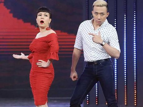 Viet Huong lan dau lam liveshow giup nguoi ngheo - Anh 1