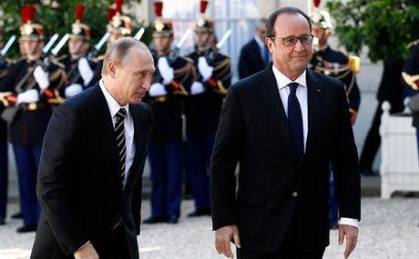 Huy tham Paris, cang thang Nga va phuong Tay tang nhiet - Anh 1