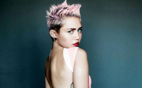 Miley Cyrus cong khai tinh dau dong tinh - Anh 2