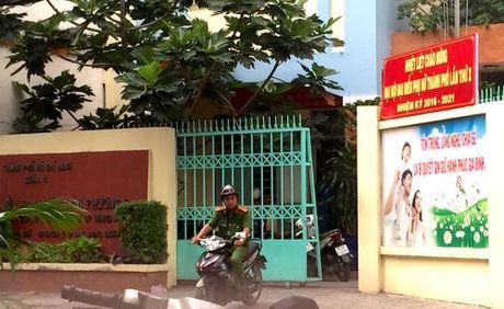 Phuong doi truong o TP.HCM tu vong canh khau sung - Anh 1